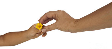 rsz_child-giving-mother-flower